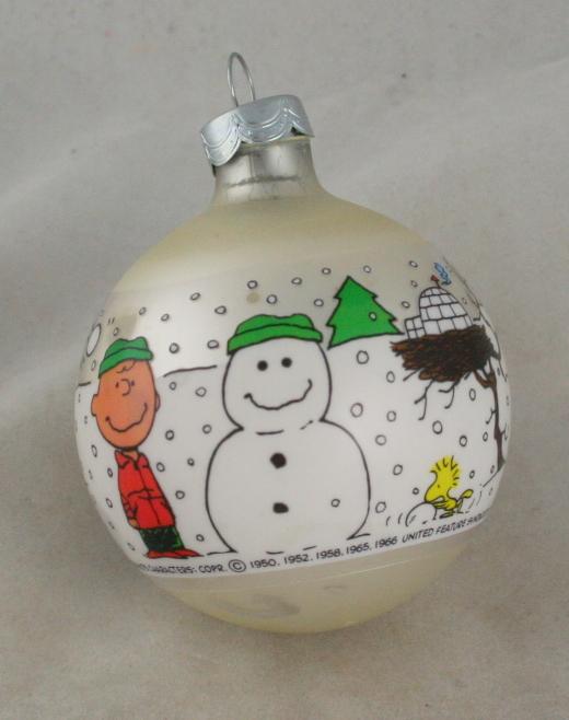 vintage christmas,hallmark,Peanuts,sleeved glass,ornament,1977