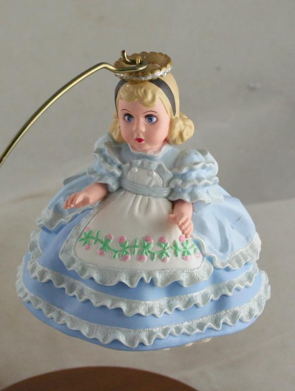 vintage christmas,hallmark,2000,Madame Alexander,Alice in Wonderland