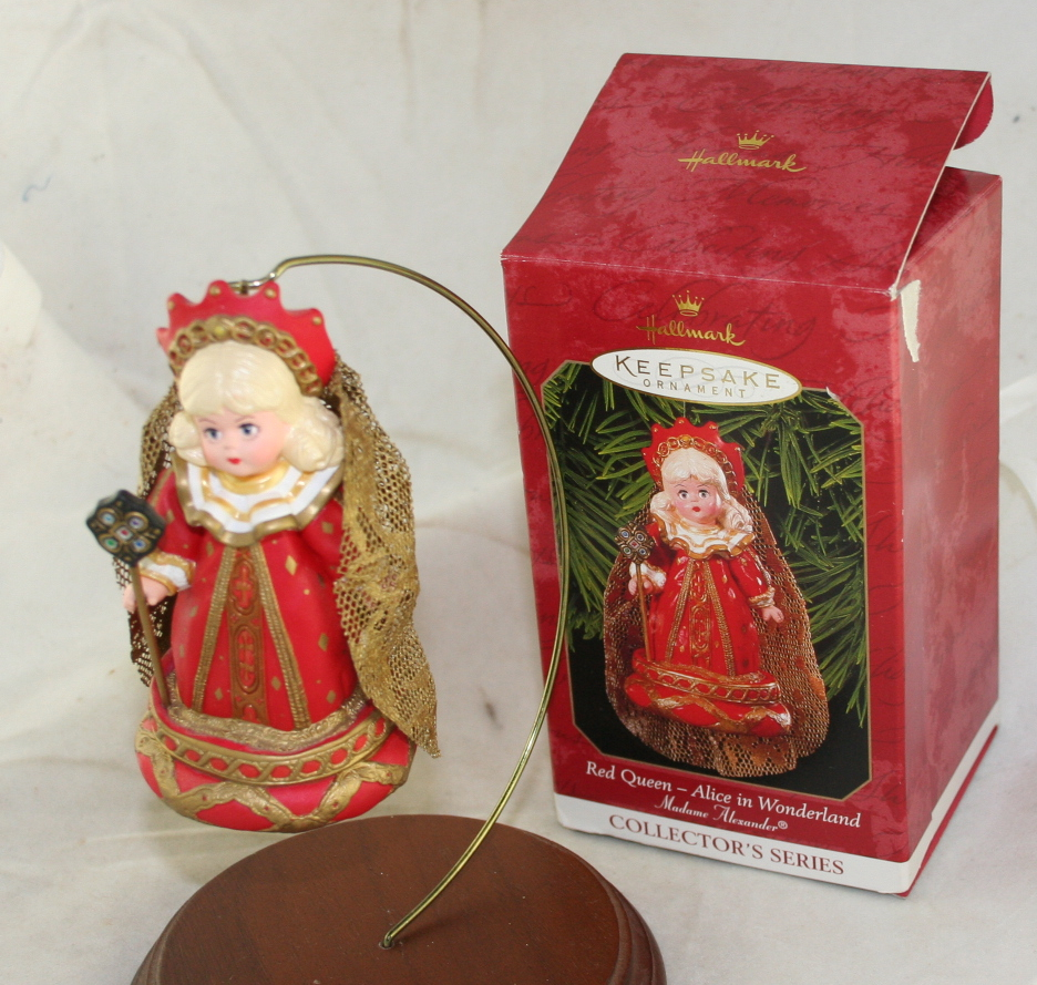 vintage christmas,Hallmark,Madame Alexander,Series,Red Queen,Alice in Wonderland,1999