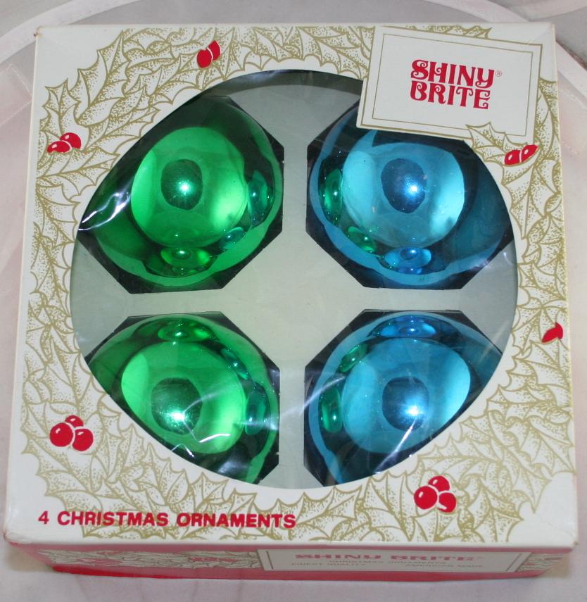vintage christmas,glass ornaments,ornaments,Shiny Brite,box