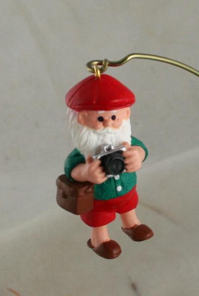 vintage christmas,ornament,Hallmark,Santa,Camera Claus,1989