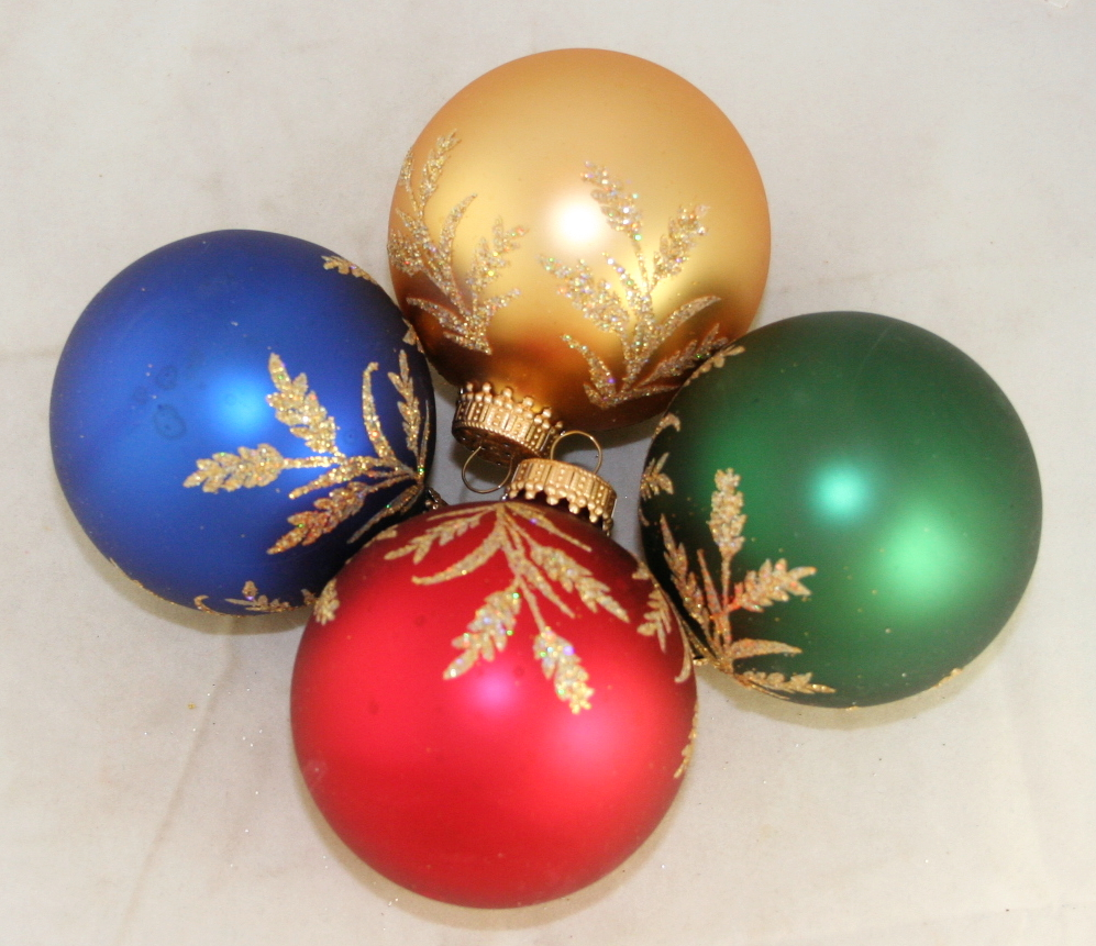vintage christmas,ornament,glass ball,glitter decoration,leaf design