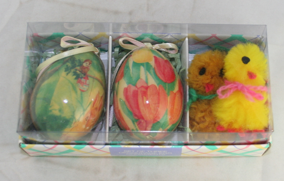 Easter,egg,decoupage,1995,May Company,handmade chicks,fuzzy