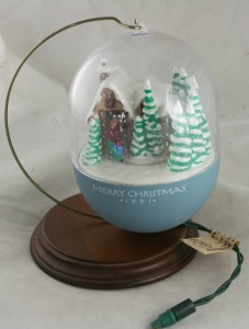 vintage ornaments,Hallmark,Keepsake,1991,Light,Motion,Bringing Home the Tree