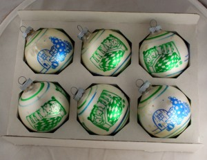 vintage ornaments,glass ball,Shiny Brite,boxed ornaments,stencil,mice,sleeping