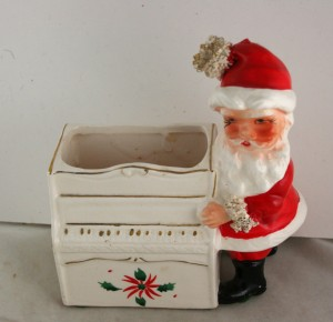 Ucago Spaghetti Santa with Toy Piano